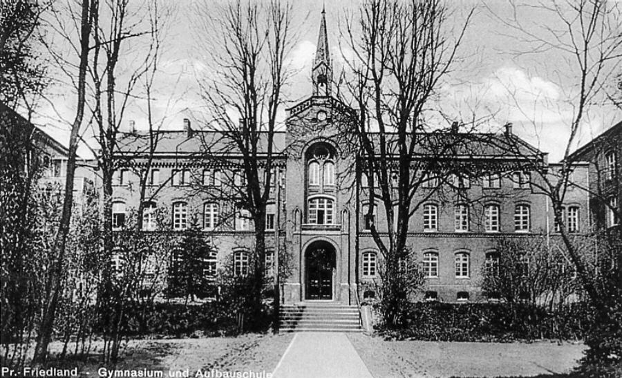 The High School and architecture school 1912. Postcard of Paul Sternberg.jpg