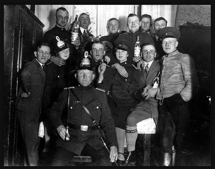 police party 1920.jpg